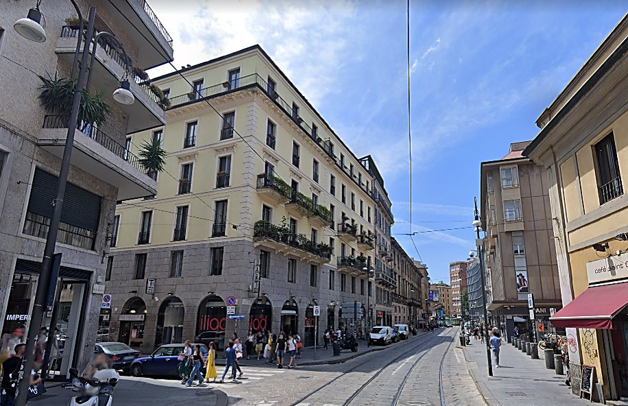 Via Santa Maria Valle, 2a – Via Torino